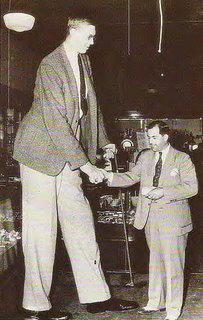 самый высокий человек Роберт Уэдлоу