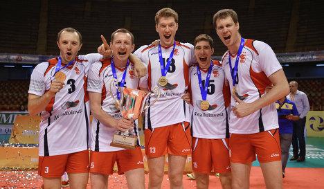 Алексей Казаков справа и Дмитрий Мусэрский в центре