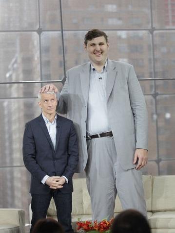 самый высокий украинец Игорь Вовковинский - 2,35