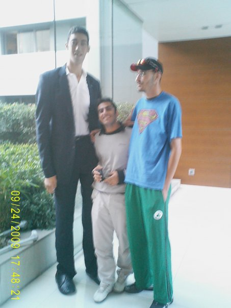 Султан Кёсен - 251 см и человек ростом 215 см