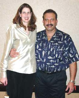 высокая женщина Эллен Байер и 2 метровый человек